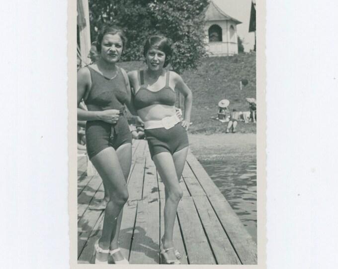 Vintage Snapshot Photo: Swimsuit Beauties, Turkey c1930s-40s [811742]