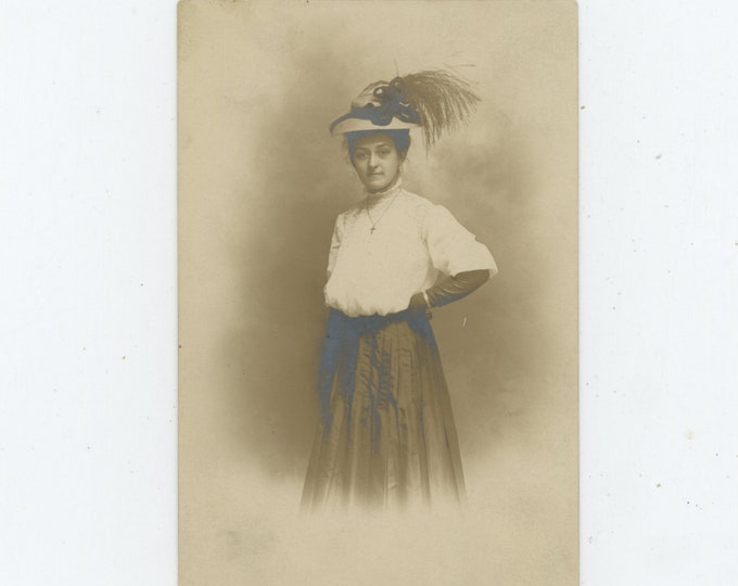 Vintage Portrait Photo: Woman in Plumed Hat [93793]