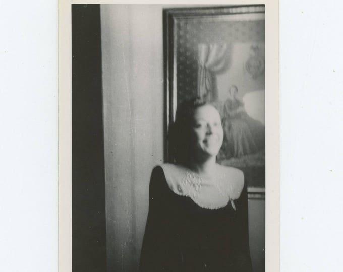 Vintage Snapshot Photo: Laughing Gal (711617)