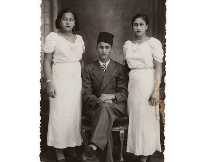 Vintage Portrait Photo: Brother & Two Sisters, Egypt, 1930s [811743]