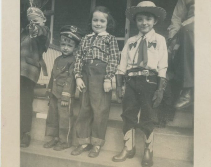 Vintage Snapshot Photo: Kids in Costume, 1940s [811740]