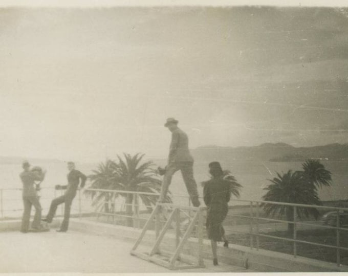 Viewpoint: Vintage Snapshot Photo, c1940s [81641]
