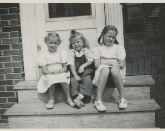 Vintage Snapshot Photo: Three Girls [84666]