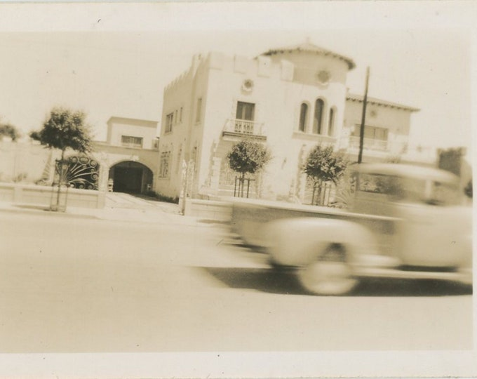 Vintage Snapshot Photo: Juarez, Mexico, 1951 (87704)