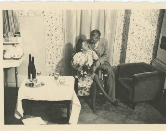 Room Service, 1940s Vintage Snapshot Photo [811744]