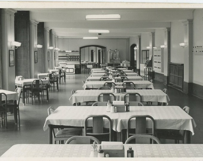 Vintage Snapshot Photo: Empty Dining Room (88712)