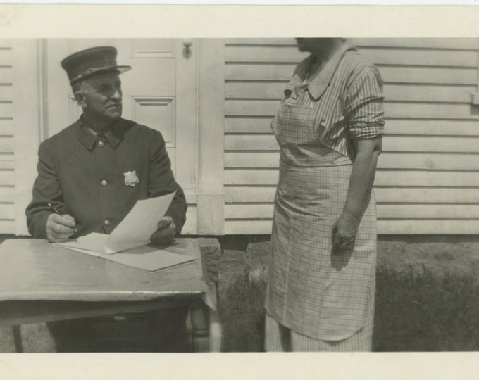 Vintage Snapshot Photo: Uncle Charles & Aunt Angie [88719]