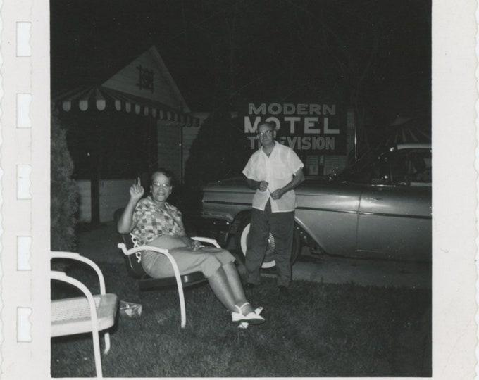 Modern Motel, c1960s: Vintage Snapshot Photo [85672]