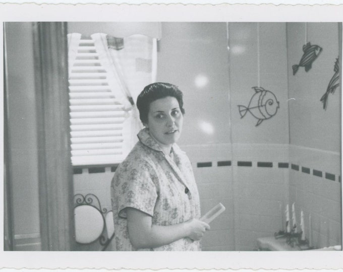 Vintage Snapshot Photo: Woman In Bathroom [85676]