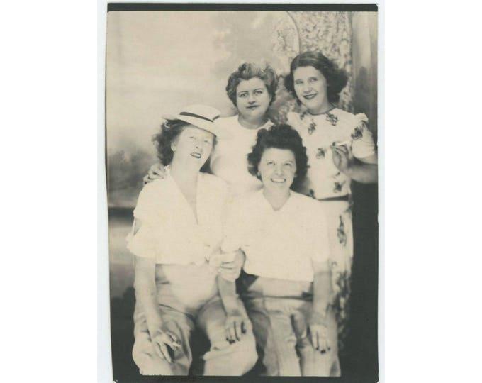 Vintage Arcade/ Photo Booth (Enlargement), c1940s: Girlfriends (79608)