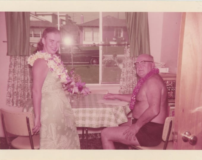 Vintage Kodacolor Print Snapshot Photo: Hawaiian Stay Vacay, 1957 [89726]