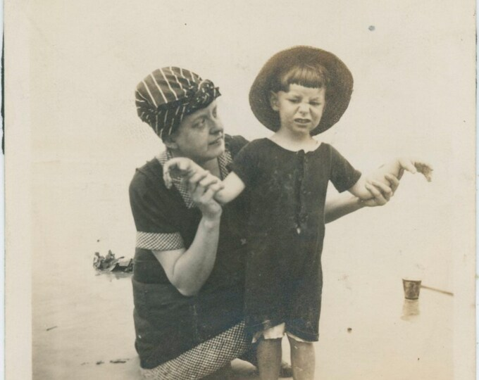 Vintage Snapshot Photo: At the Beach, c1910s [91770]