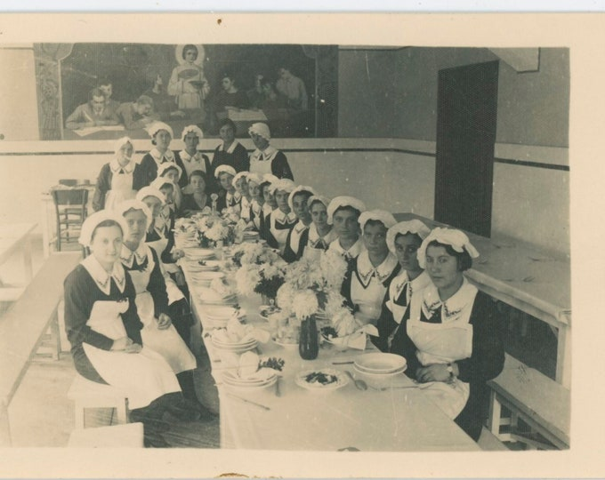 Vintage Snapshot Photo: Domestic Staff/Waitresses Bulgaria, c1920s-30s [811738]