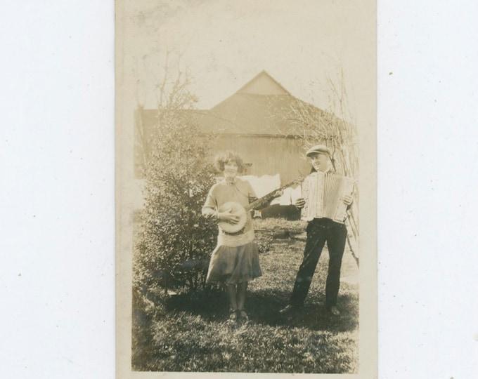 Vintage Snapshot Photo: Banjo & Accordion Duo, c1920s [810735]