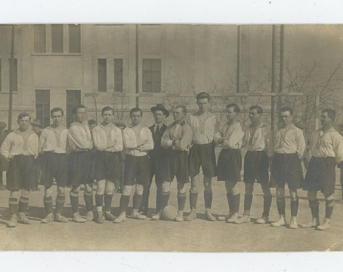 Czech Soccer Team 1930s: Vintage Snapshot Photo (88717)