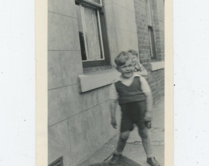 Vintage Snapshot Photo: Small Boys, U.K. c1950s [89724]