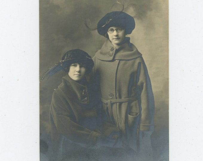 Vintage Portrait Photo: Pre Teen Girls, 1920s [86694]