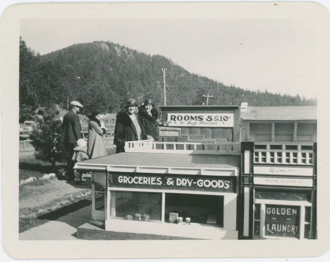 Vintage Snapshot Photo: A Model Town, 1933 [91770]