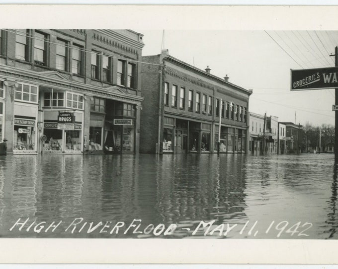 High River Flood, May 11, 1942. Alberta, Canada: Vintage Photo RPPC [89723]