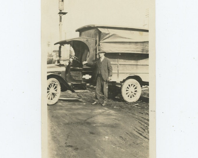 Vintage Snapshot Photo: 1918 Chevrolet Model T One Ton Truck (88714)