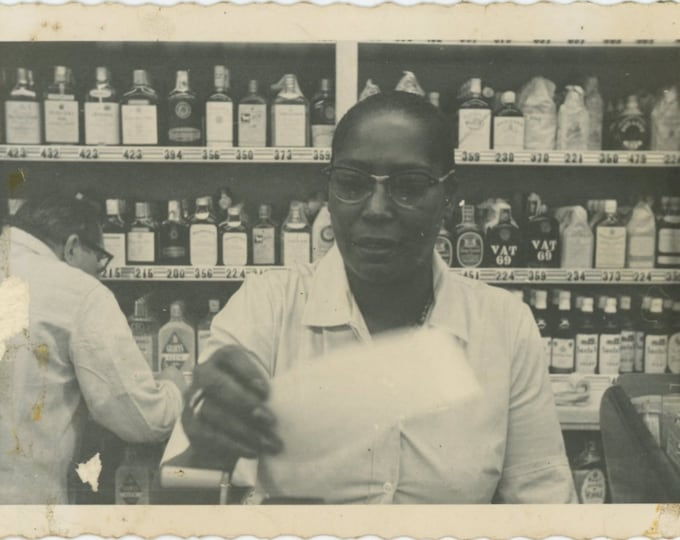 Vintage Snapshot Photo: Liquor Store, 1959 (88718)