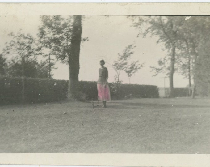 Pink Skirt, Partially Hand-Tinted Vintage Snapshot Photo, c1920s [811744]