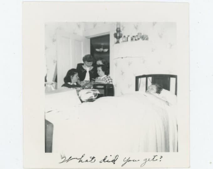 "Vintage Snapshot Photo: ""What Did You Get?"" [89725]"