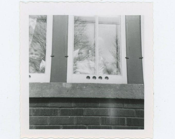 Faces at the Window, 1955: Vintage Snapshot Photo [82653]