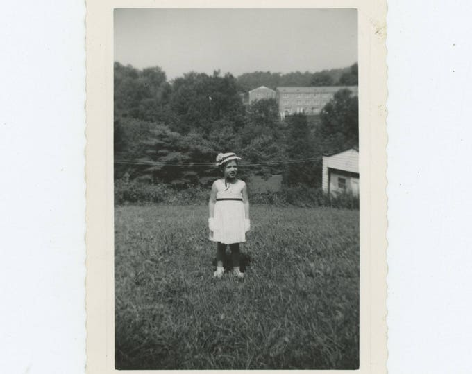 Vintage Snapshot Photo: Small Girl in Hat & Gloves [82653]