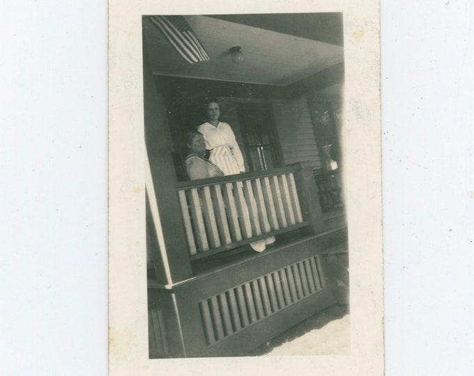 Vintage Snapshot Photo: Two Women on Front Porch, 1910s [91770]