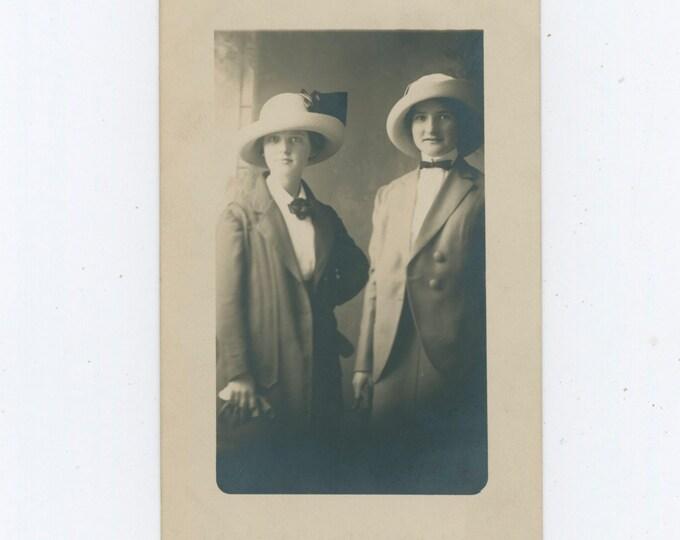 Vintage Portrait Photo: Two Women, 1910s [91770]