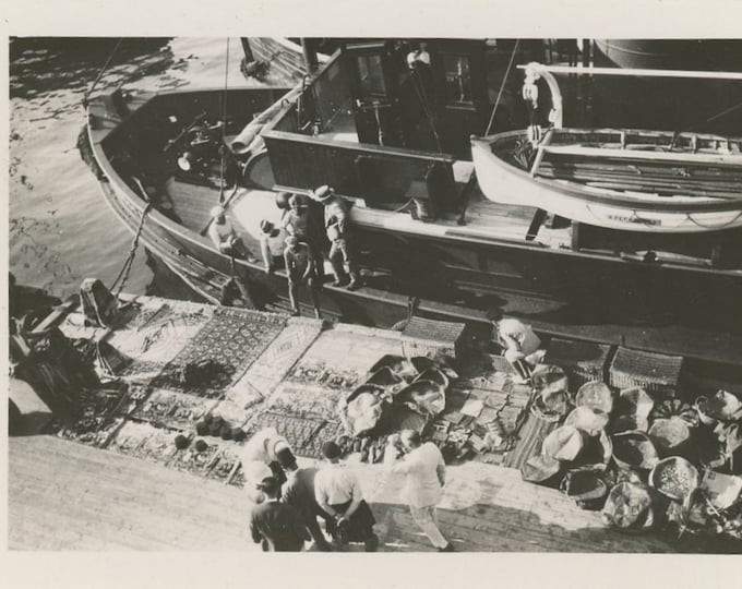 Algiers, Dockside Vendors, c1930s: Vintage Snapshot Photo (88709)