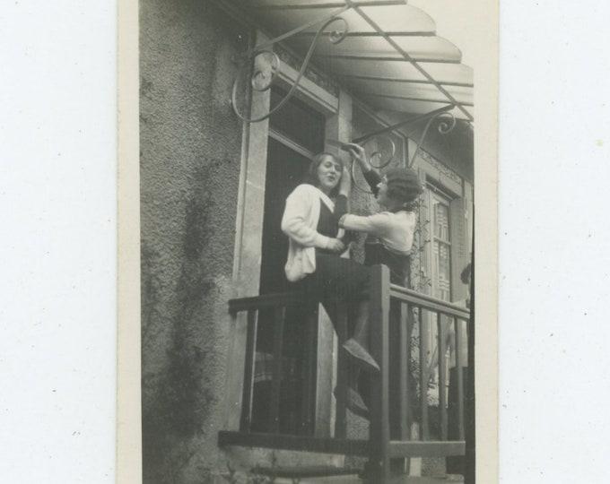 Coiffeur on Balcony, 1932: Vintage Snapshot Photo [86695]