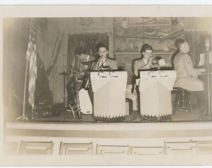 Bandstand: Vintage Snapshot Photo, c1940s  (710611)