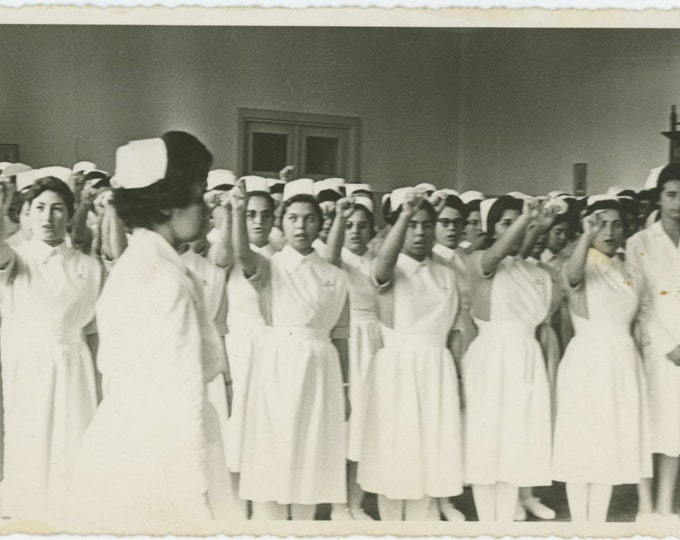 Vintage Snapshot Photo: Nurses, Turkey, 1961 (88708)