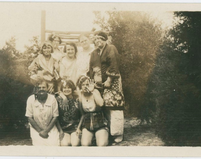 Vintage Snapshot Photo: The Gang, with Cigarettes [811738]