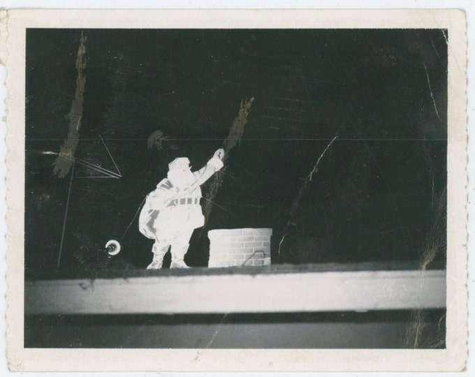 Vintage Polaroid Snapshot Photo: Santa Xmas Decoration on Roof, 1960s [812756]