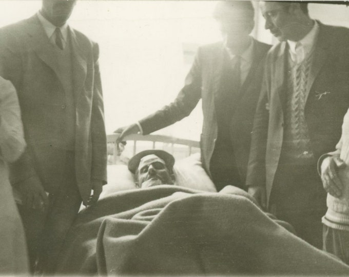 Vintage Snapshot Photo: In a Turkish Hospital, c1940s [86693]