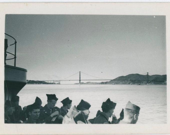 Vintage Snapshot Photo: Soldiers, Golden Gate Bridge, c1940s [91765]