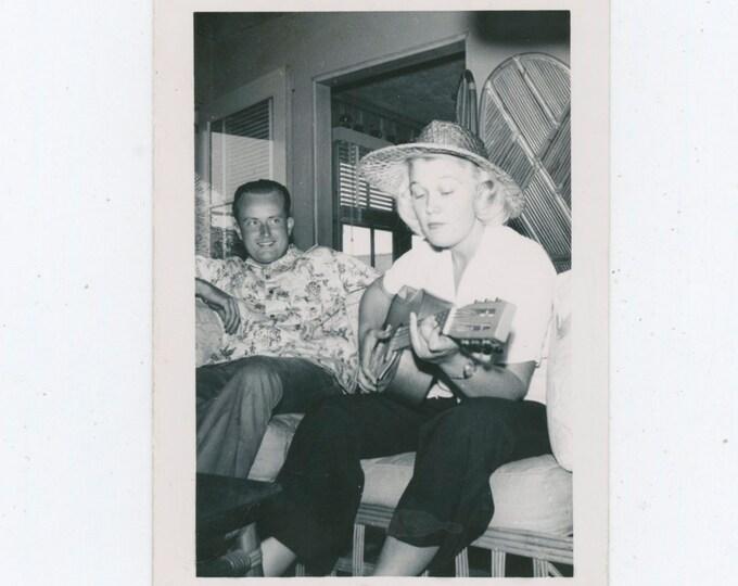 Vintage Snapshot Photo: C-Chord. 1940s [812754]