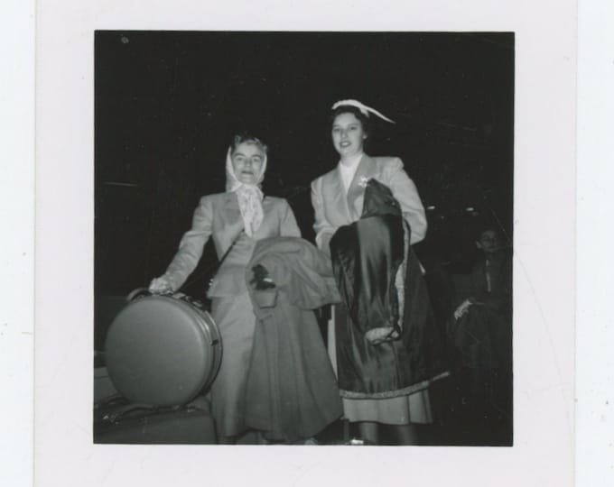 Vintage Snapshot Photo: Traveling Gals, 1950s (88713)