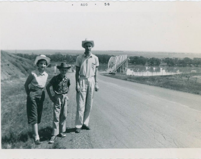 Vintage Snapshot Photo: Bridge Across the Missouri River, July, 1956 [810736]
