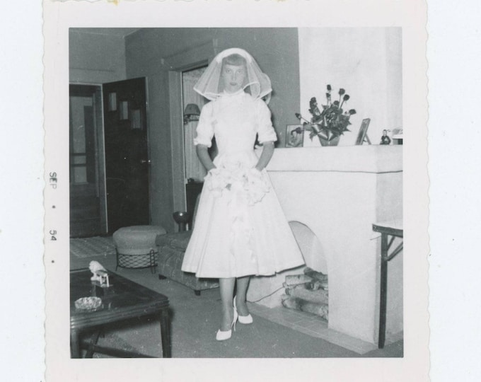 "Vintage Snapshot Photo: ""Delores, just before she left to get married"" 1954 [82654]"