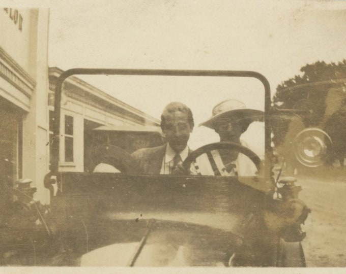 Vintage Snapshot Photo: Driving Couple, c1920s [86682]