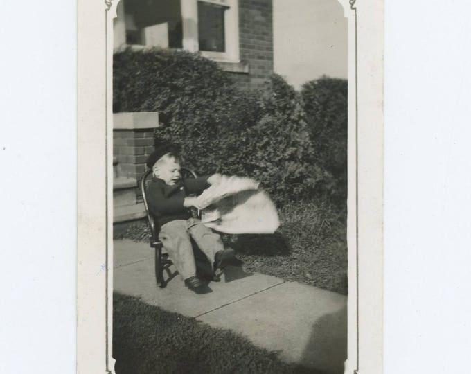 "Vintage Snapshot Photo: ""Reading the Daily Scandal Sheet,"" c1930s (73554)"