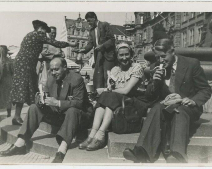 Vintage Snapshot Photo: The Banana Salesman [86686]