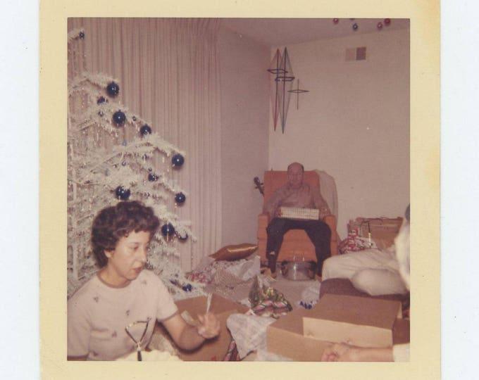 Vintage 1961 Kodacolor Print Snapshot Photo: Opening Christmas Gifts (73555)