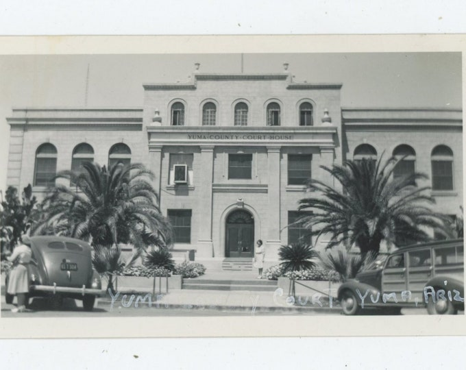 Vintage Snapshot Photo: Yuma County Courthouse, 1940s [86685]