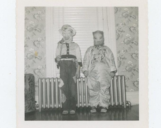 Vintage Snapshot Photo: Ronny & Wayne, 1956 [86696]