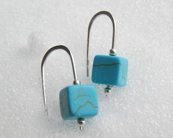 Sterling Silver Minimalist Earrings with Turquoise beads - Boho Style